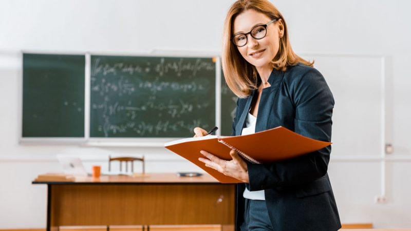 ¿Cómo organizar un cuaderno de notas para profesores?
