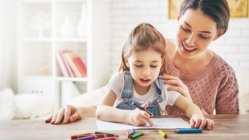 ¿Cómo ayudo a mi hijo a sacar mejores calificaciones?