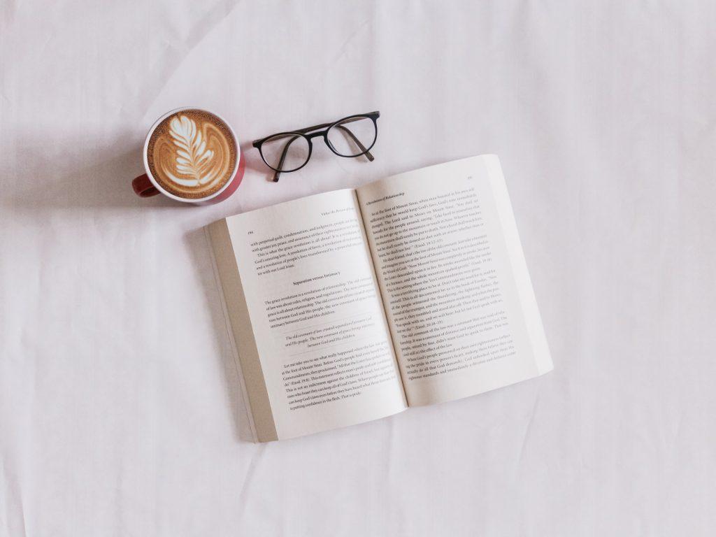 lectura y café