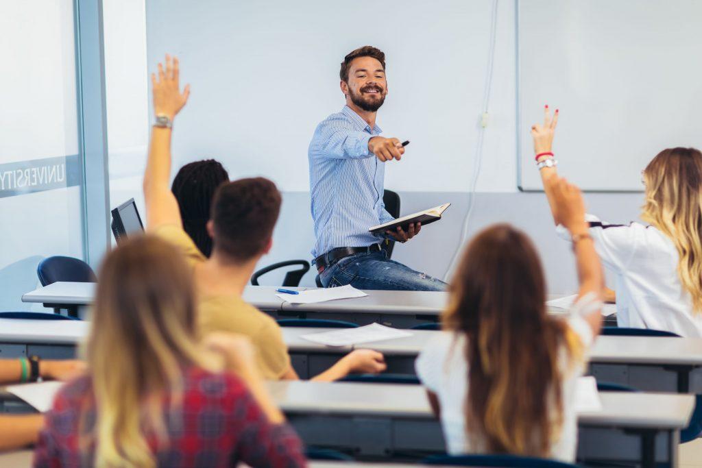 maestro en clase