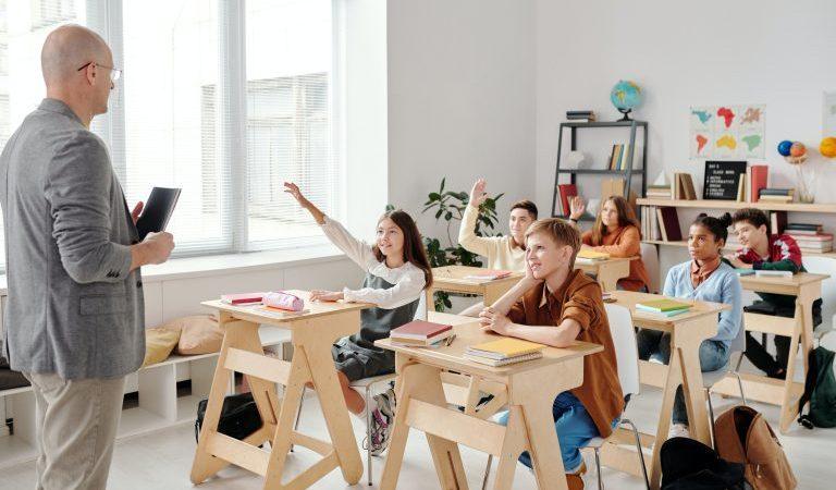 Debate en clase: qué es, ventajas y por qué promoverlo